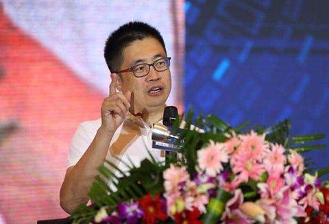《2018硅藻泥行业发展报告》专访腾讯家居全国总编张永志